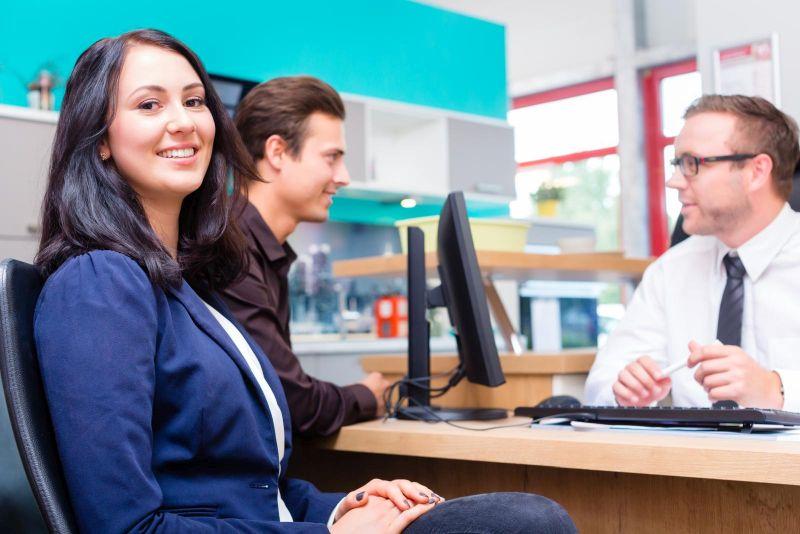 zakup mebli wizyta stacjonarna w biurze